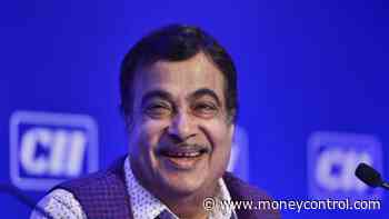 Nitin Gadkari pitches for use of alternative fuels