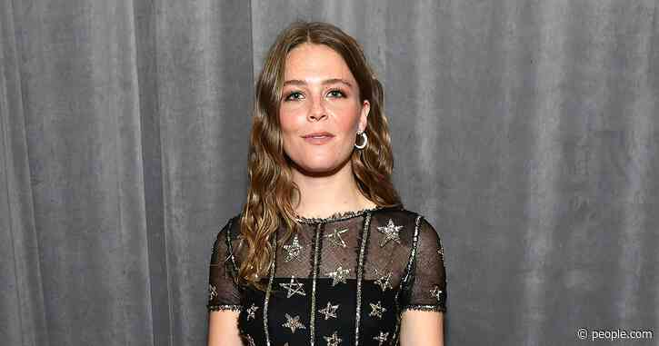 Maggie Rogers Sips from Vintage Chanel Water Bottle at the Grammys: 'Sustainability Is Important!'
