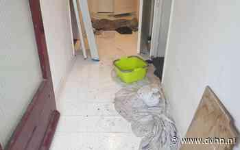 Waterschade bij vier woningen in flat in Assen door lekkage