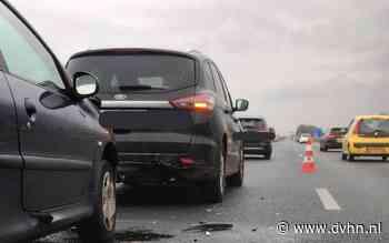 File op A7 bij Leek na ongeval, linker rijstrook dicht