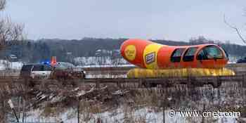 Wienermobile gets pulled over, and fans relish the jokes     - CNET