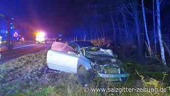 Schwerer Unfall auf A2 – Auto überschlägt sich, Fahrerin stirbt