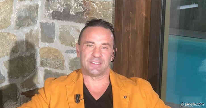 Joe Giudice Parties with Women in Mexico amid Split from Wife Teresa Giudice