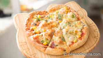How to Prepare Veg Pizza from Scratch (The All Time Favorite) – Veg Pizza Recipe