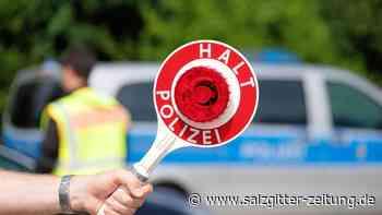 Alkoholisierte Fahrerin beschädigt in Wolfenbüttel vier Autos
