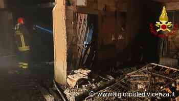 Deposito agricolo distrutto dal fuoco Salva casa accanto - Il Giornale di Vicenza