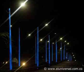 Continúa instalación de postes con luces LED en vías de Turbaco - El Universal - Colombia