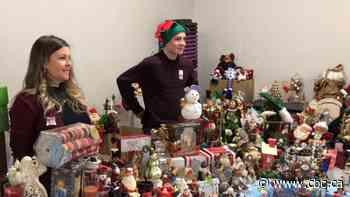 Sainte-Marthe-sur-le-Lac flood victims get a dose of Christmas spirit - CBC.ca