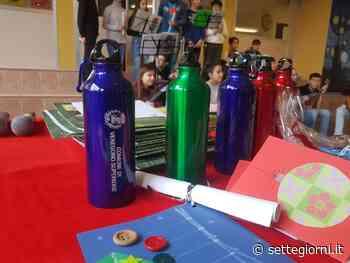Stop plastica, anche alle scuole di Venegono Superiore arrivano le borracce - Settegiorni