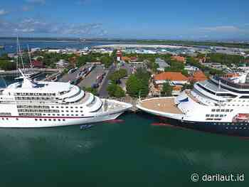 Kapal Pesiar MS Vasco Da Gama dan MV Europa Sandar di Benoa - Dari Laut