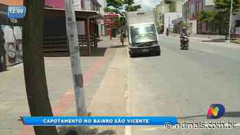 Câmera de segurança registra carro capotando no bairro São Vicente, em Itajai - ND