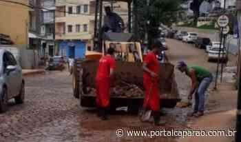 Presídio de Manhumirim também leva detentos para ajudarem na limpeza da cidade - Portal Caparaó