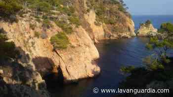 Otoño en la Cala de la Fosca - La Vanguardia