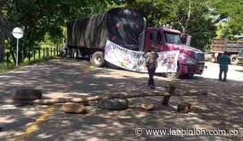 Bloqueada la vía a Ocaña ya Tibú, por Paro Nacional - La Opinión Cúcuta