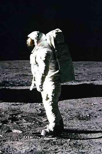 Mondlandung: Neil Armstrong als erster Mensch auf dem Mond - NDR.de