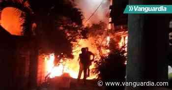 Video: Incendio arrasó con dos viviendas en El Playón, Santander - Vanguardia