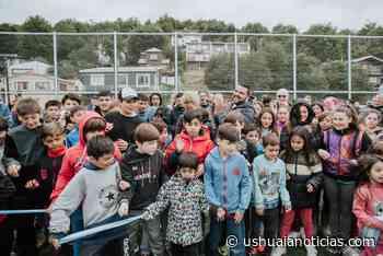 Vuoto inauguró el playón deportivo del barrio mirador del Beagle - Ushuaia Noticias