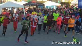 A Mottalciata 260 Babbi Natale di corsa. Il ricavato a Biella Cresce FOTOGALLERY - newsbiella.it