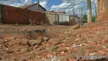Buracos provocam transtornos para moradores de bairros em Boituva e Tejupá - G1