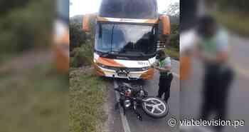 Tabalosos: choque de ómnibus y motocicleta deja un muerto y un herido - VIA Televisión