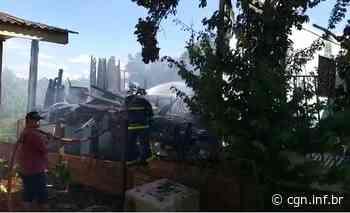 Residência é destruída por incêndio em Dois Vizinhos - CGN