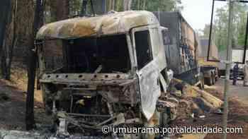Carreta pega fogo e condutor de carro morre em colisão entre Loanda e Paranavaí - ® Portal da Cidade | Umuarama