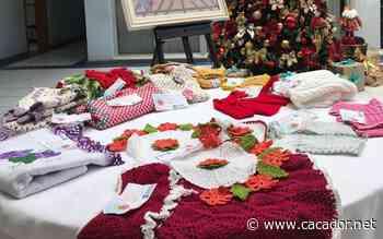 Artesanato: Peças artesanais estão expostas no hall Prefeitura de Cacador - Caçador Online