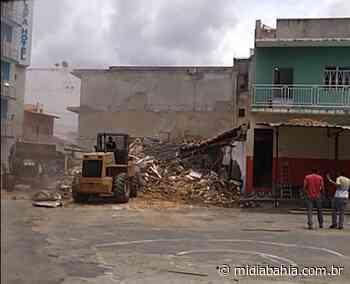 Prefeitura de Bom Jesus da Lapa retoma derrubada de casarões após decisão justiça - Mídia Bahia