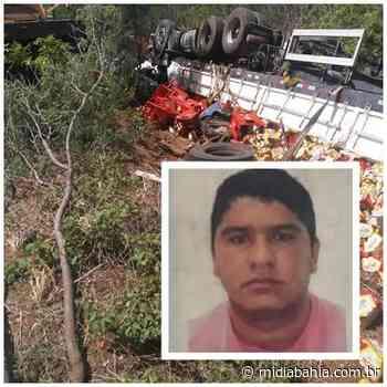 Caminhoneiro morre após carreta tombar no trecho de Bom Jesus da Lapa - Mídia Bahia