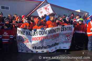 Several hundred people gather in Lower Sackville to rally for rival P.E.I. hockey team - The Sackville Tribune Post