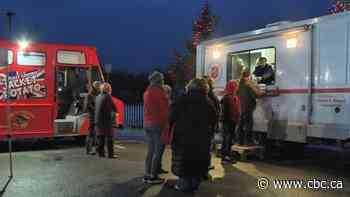 Lower Sackville food truck that serves people in need dishes out Christmas dinner - CBC.ca