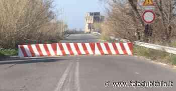 Ponte Lago Patria ancora chiuso, disagi per i residenti e commercianti costretti a calare le serrande - Teleclubitalia