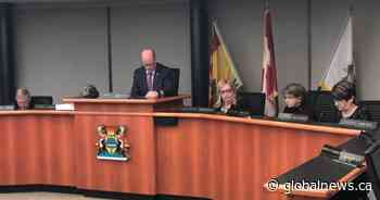 'People make mistakes': Quispamsis, N.B., mayor returns to council after month-long suspension - Global News
