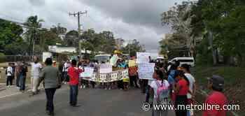 Mujeres de Emberá-Wounaan cierran vía de Metetí en protesta por tala indiscriminada - Metro Libre