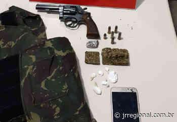 Polícia Civil de Palmitos e Caibi prende dois homens em flagrante e apreende drogas, revólver e munições - JRTV Jornal Regional