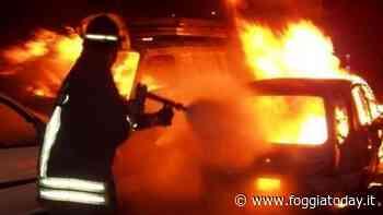 Ancora un incendio in provincia di Foggia: a fuoco la Citroen C4 di un operaio, le fiamme danneggiano un'altra auto - FoggiaToday