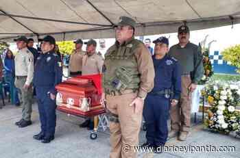 Rinden homenaje a elemento de la Fuerza Civil originario de Santiago Tuxtla, caído en servicio - Diario Eyipantla