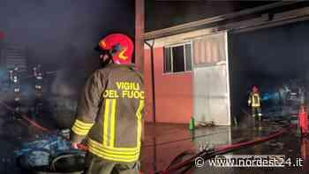 Incendio in un capannone a Montagnana: crolla parte del tetto - Nordest24.it