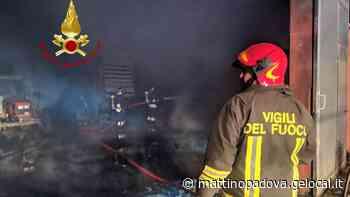 Capannone agricolo a fuoco a Montagnana - Il Mattino di Padova