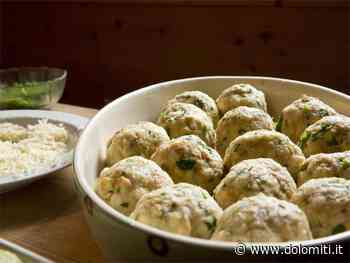 Officina del gusto: Canederli di albicocche avvolti in un manto di Amaretti - Dolomiti.it