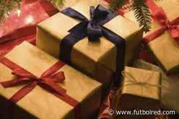 El futbolista colombiano que llevó más de 300 regalos a los niños - FutbolRed