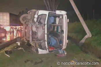 """""""La gente gritaba, no me podía mover"""": accidente de bus, en vía Facatativá-Bogotá, deja 24 heridos - Noticias Caracol"""