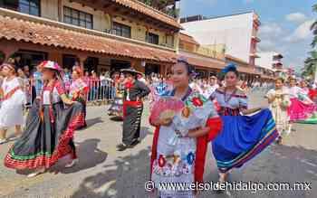 Concurrido desfile en Huejutla de Reyes - El Sol de Hidalgo