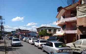 Higuerote recibió 2020 con largas colas para surtirse de gasolina - El Nacional