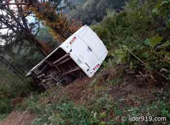 Vuelca autobús en Carretera El Grullo – Ciudad Guzmán - Líder Informativo