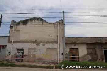 Suponen que una cañita voladora incendió una fábrica de colchones y provocó daños en dos casas aleda - La Gaceta
