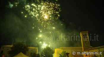 FOTO I fuochi d'artificio illuminano Talamello per la Magica Notte di San Lorenzo - AltaRimini