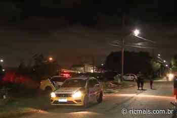 Homem é assassinado com nove tiros, no Cajuru, em Curitiba - RIC Mais