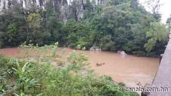 Rescatan cadáver del río piedra Blanca en Trujillo, Colón - canal6.com.hn