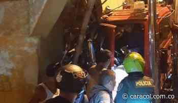 Un camión chocó contra una vivienda en Calarcá - Caracol Radio